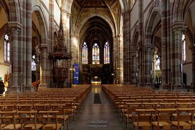 Obernai  - Eglise et expo de crèches du monde