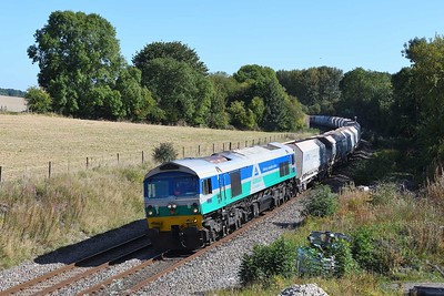 18 September 2019 :: Passing Wolf Hall is 59005 with 7C77 from Acton to Merehead