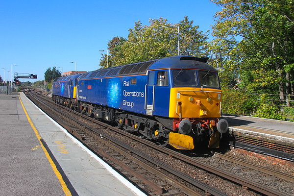 47813 Basingstoke 20/09/19 0M59 Bournemouth to Leicester with 47815