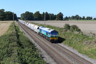 18 September 2019 :: 59001 is at Manningford Bruce on 7A17 from Merehead to Colnbrook
