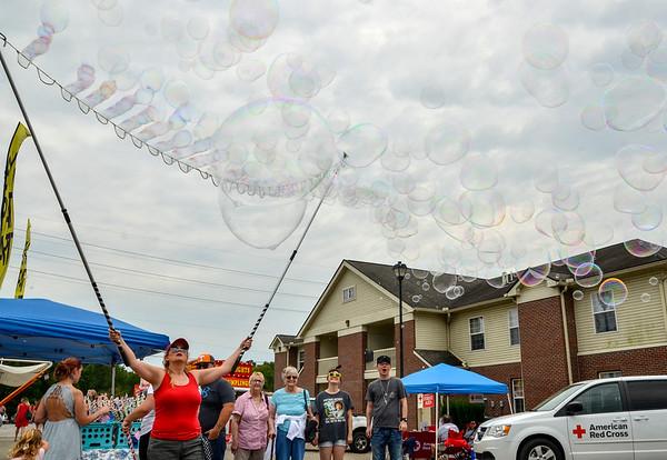 MET 083119 Bubbles