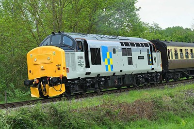 """16 May 2019 :: A closer look at the superb paintwork on 37688 """"Great Rocks"""" with its ICI logo in Trainload Freight, Construction livery"""