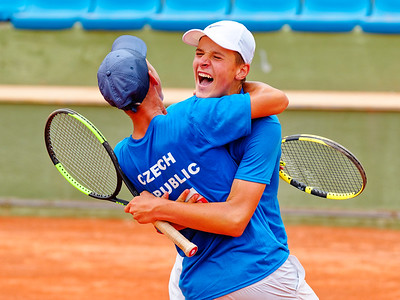 01.01i Very happy - Czech Republic - Tennis Europe Summer Cups final boys 14 years and under 2019