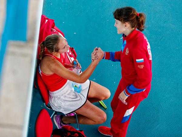 01.01d Congratulating Yaroslava Bartashevich - Russia - Tennis Europe Winter Cups by HEAD final girls 14 years and under 2019