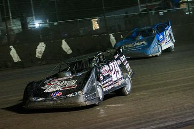 Darrell Lanigan (29) and Josh Richards (14)