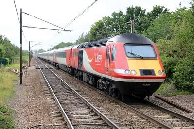43308_43309 1321/1D15 Kings Cross-Leeds passes Welwyn North