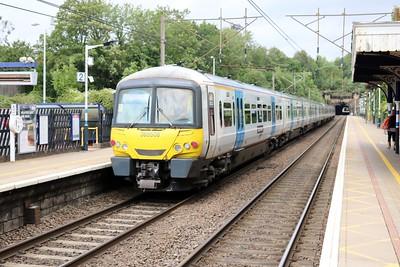 365514_508 pass Welwyn North on a Kings Cross-Cambridge service
