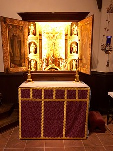 All Saints Altar, Advent