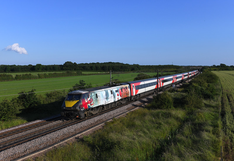 91111 Heads north at Colton in charge of 1S27 17:30 London Kings Cross to Edinburgh LNER service.03/07/2019.