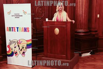 Argentina : Cooperativa Arte TV Trans en la Legislatura de la Ciudad de Buenos Aires recibiendo el premio a la Trayectoria , el 17/07/2019 Día Internacional contra la Homofobia , Lesbofobia, Transfobia . En el año del 50º Aniversario de los disturbios de STONEWALL , festejamos este día con una muestra de su trabajo en donde TODES son Bienvenides , Se hizo un fragmento de MADE IN LANUS , una de sus obras en gira y cerro con el desfiles de Inevitable Vanidad de Emma Serna / award ceremony Trayectoria on the International Day Against Homophobia , Transphobia and Biphobia / Argentinien : Emma Serna spricht während der Preisverleihung Trayectoria am Internationaler Tag gegen Homophobie , Transphobie und Biphobie 2019 © Santiago Debenedetti/LATINPHOTO.org