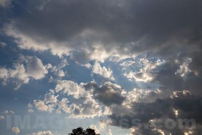 Gewitterwolken über Niederbuchsiten © Patrick Lüthy/IMAGOpress