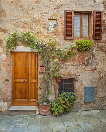 Madonna Duo , Pienza , Tuscany