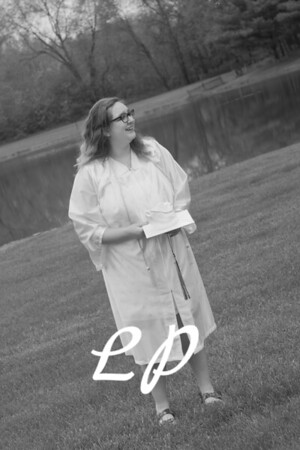Emma Cap and Gown (6 of 11)