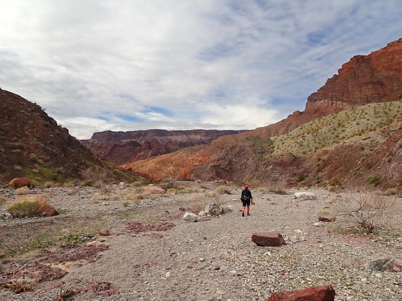 Hiking in to Hot Spring Canyon, Arizona
