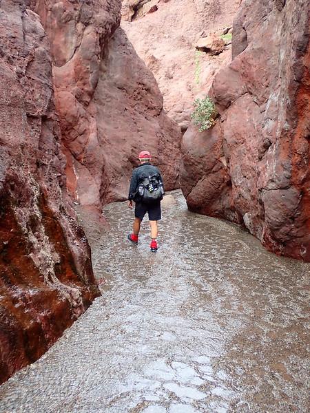 Hiking down canyon from Arizona Hot Spring