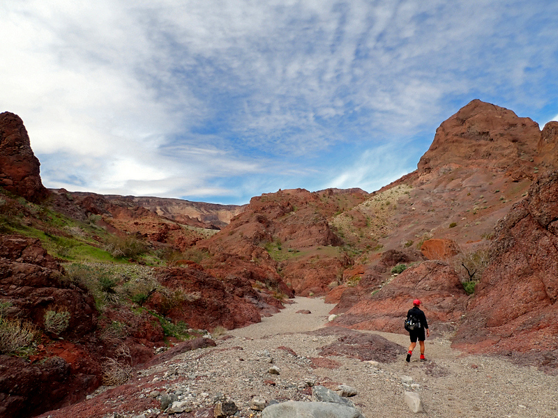 Hiking in to Hot Spring Canyon, Arizona
