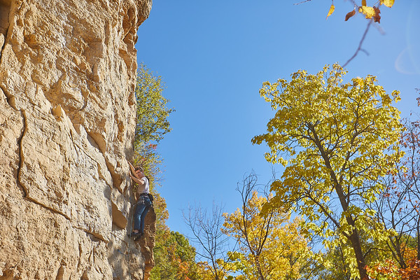 2020 UWL Fall Rock Climbers Grandad Bluff 0159
