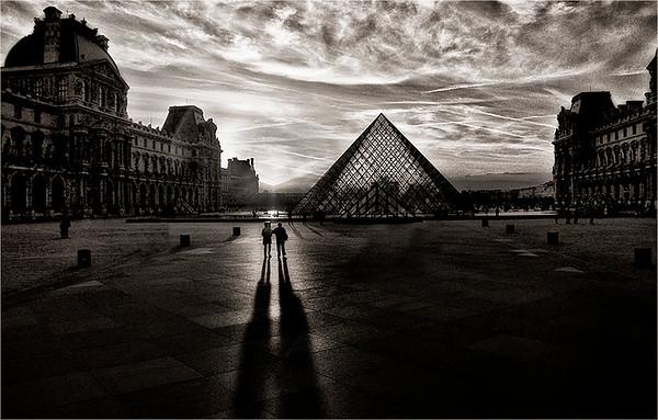 Louvre Sunset-Anastasia Tompkins PSA Score 7