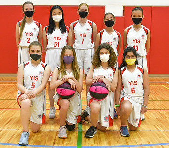 Middle School Girls Basketball, Team B