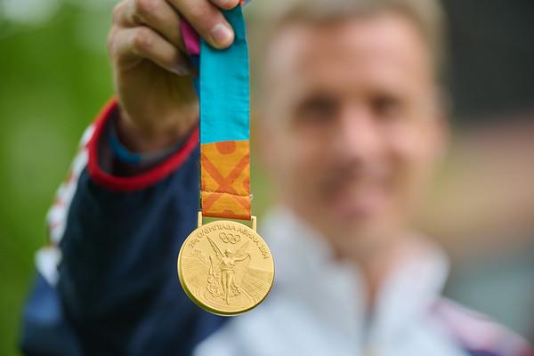 2021 UWL Andrew Rock Olympic Gold Medalist 0110