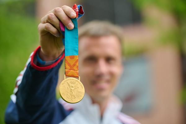 2021 UWL Andrew Rock Olympic Gold Medalist 0118