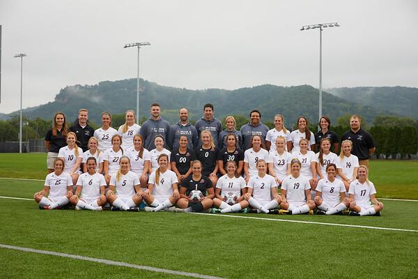 2018 UWL Womens Soccer Team 0012