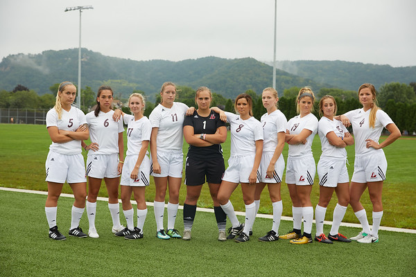 2018 UWL Womens Soccer Team 0055