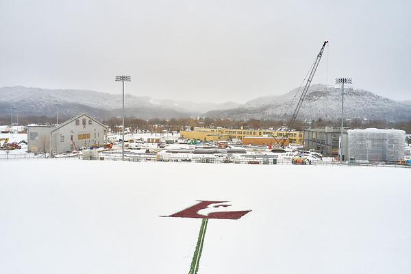 2021 UWL Snow Shoveling Track Eagle L logo 0013
