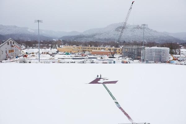 2021 UWL Snow Shoveling Track Eagle L logo 0070