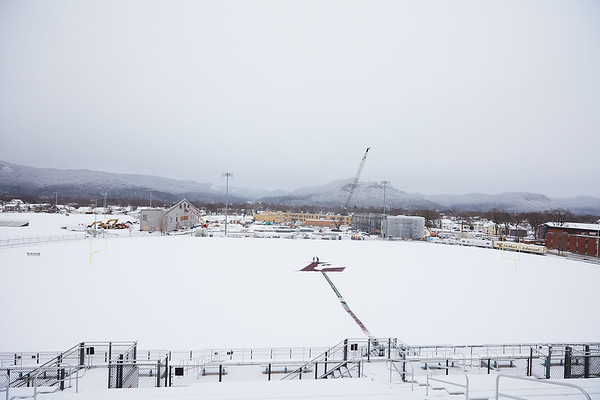 2021 UWL Snow Shoveling Track Eagle L logo 0065