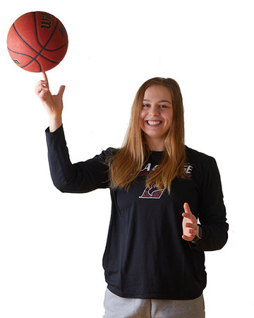 2021 UWL Womens Basketball Headshots 0008