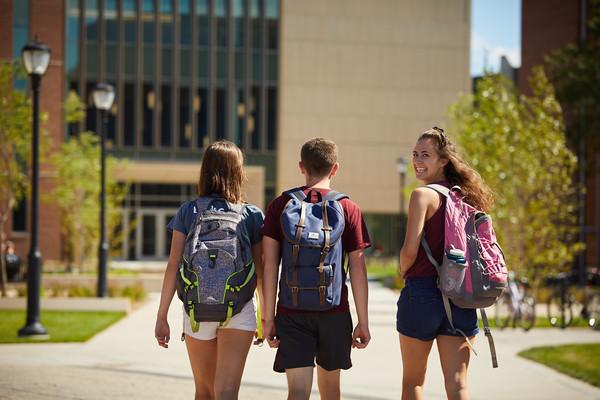2018 UWL Fall Students Outside 0042