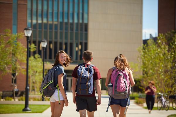 2018 UWL Fall Students Outside 0029