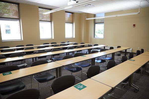 2020 UWL COVID-19 Facilities 0062