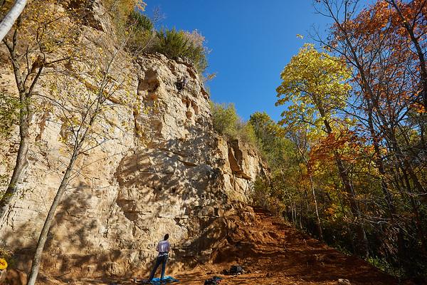 2020 UWL Fall Rock Climbers Grandad Bluff 0119
