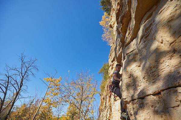 2020 UWL Fall Rock Climbers Grandad Bluff 0082