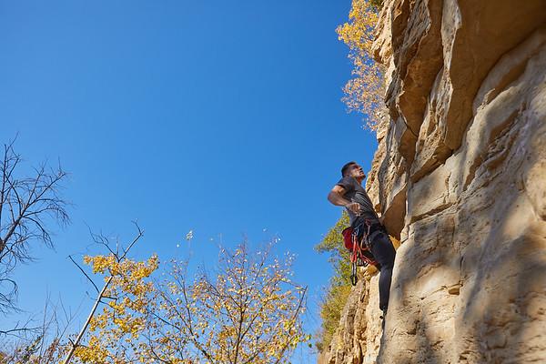 2020 UWL Fall Rock Climbers Grandad Bluff 0096