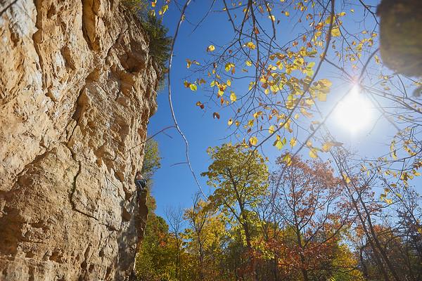 2020 UWL Fall Rock Climbers Grandad Bluff 0170
