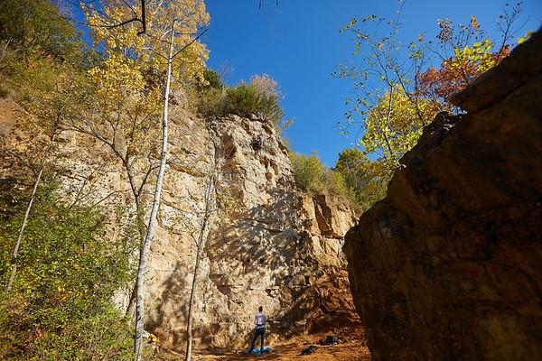 2020 UWL Fall Rock Climbers Grandad Bluff 0123