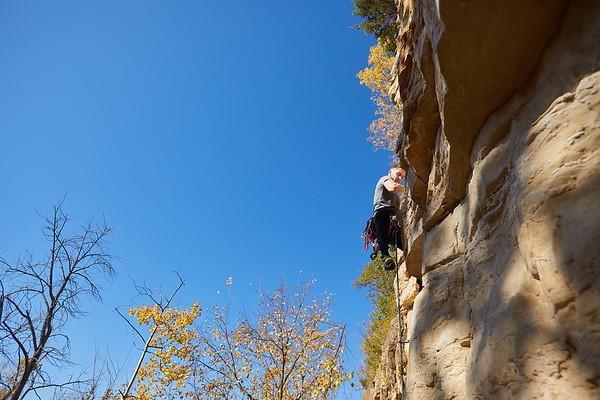 2020 UWL Fall Rock Climbers Grandad Bluff 0100
