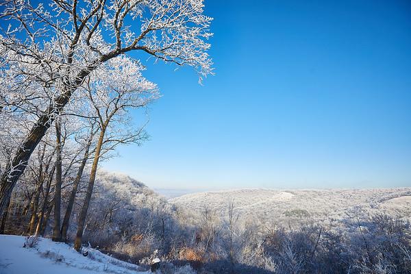 2021 UWL Rime Frost Snow Campus Bluffs 0107