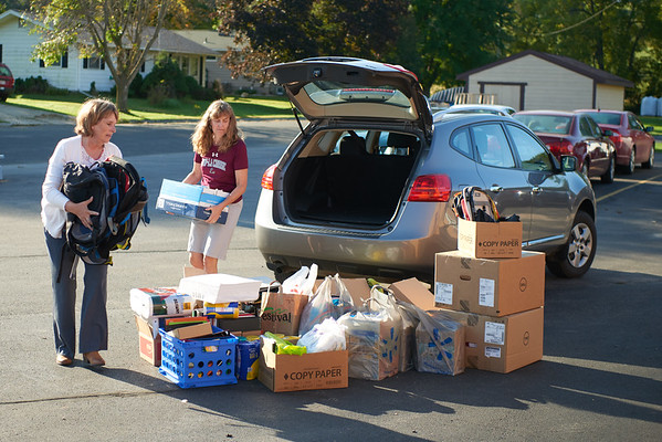 2018 UWL Donations to Coon Valley Elementary Flood 0032