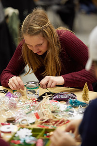 2018 UWL Fall Holiday Crafts It Makes Cents 0045