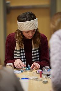 2018 UWL Fall Holiday Crafts It Makes Cents 0077