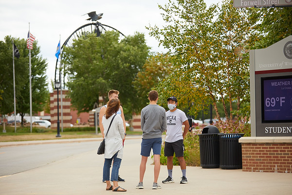 2020 UWL Admissions Curbside Tours COVID-19 0105