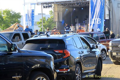 The Fans -  Gord Bamford - Drive-In 8-20 223