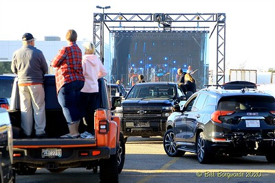 The Fans -  Gord Bamford - Drive-In 8-20 222