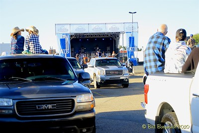 The Fans -  Gord Bamford - Drive-In 8-20 219