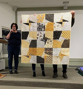 Kathy Kittle and her version of Setlla, a pattern by Gudrun Erla