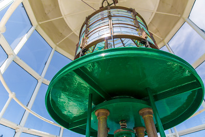 DA040,DT,Ponce_Inlet_Lighthouse_Florida_Bright_Green_Light_Sun_Relection